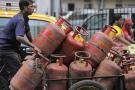 અમદાવાદમાં સબસિડી વગરના LPG સિલિન્ડર પર 145 રૂપિયાનો ભાવ વધારો ઝીંકાયો